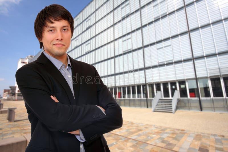 Portrait des überzeugten Geschäftsmannes lizenzfreies stockfoto