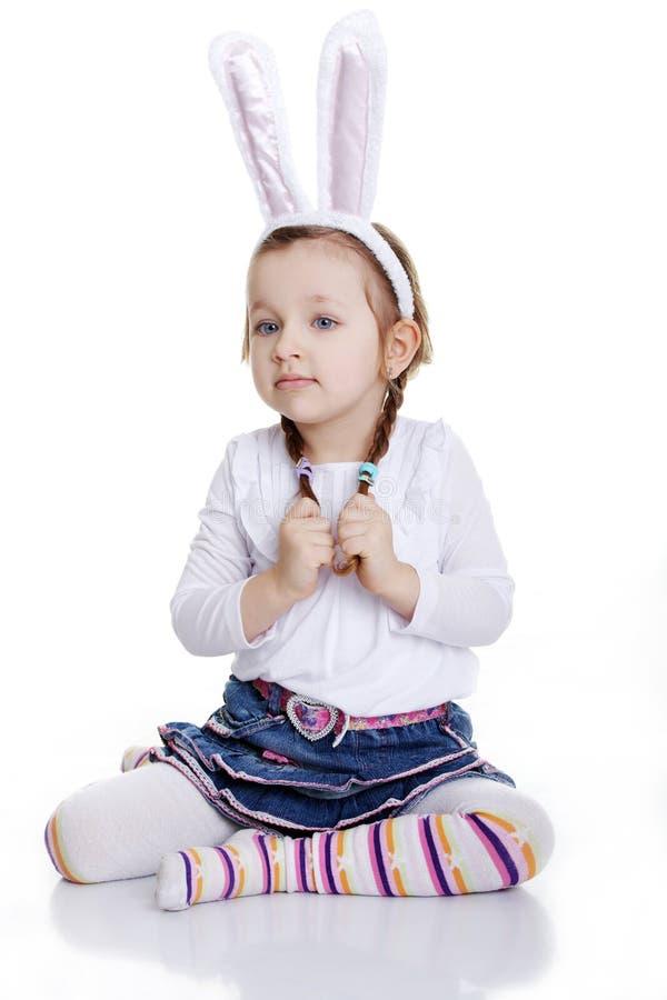Portrait des Babys mit den Häschenohren lizenzfreie stockfotos