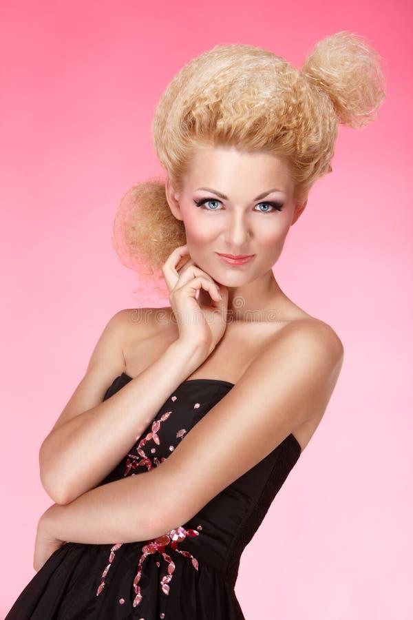 Portrait des blonden Mädchens stockbilder