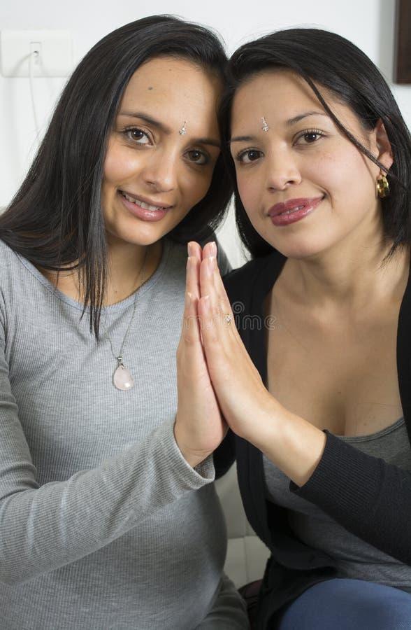Portrait des couples lesbiens heureux photos libres de droits