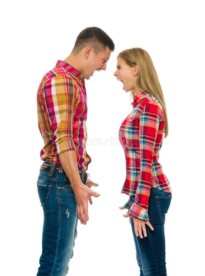 Portrait des cris fâchés de couples images libres de droits