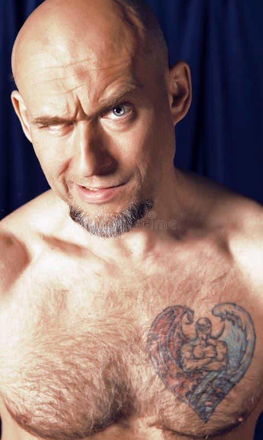 Portrait des einäugigen Zirkusathleten. lizenzfreies stockfoto