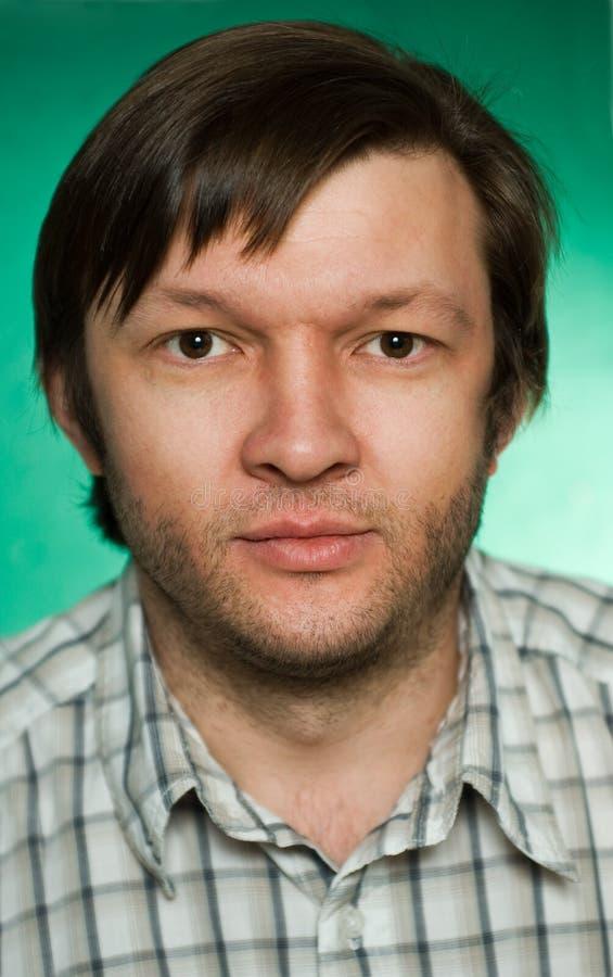 Portrait des ernsten Mannes stockfotos