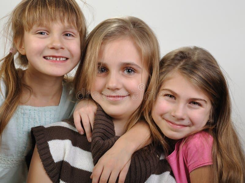 Portrait des filles de sourire heureuses image stock