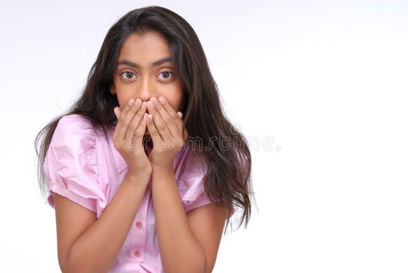 Portrait des gewunderten indischen jungen Mädchens lizenzfreies stockfoto