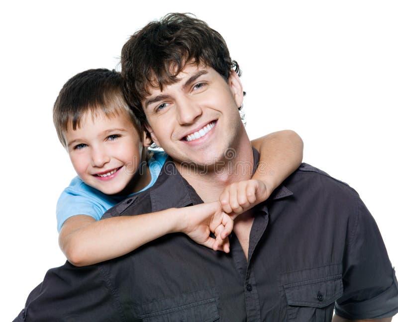 Portrait des glücklichen Vaters und des Sohns lizenzfreie stockbilder