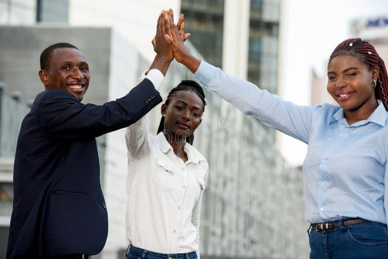 Portrait des jeunes, heureux photos libres de droits
