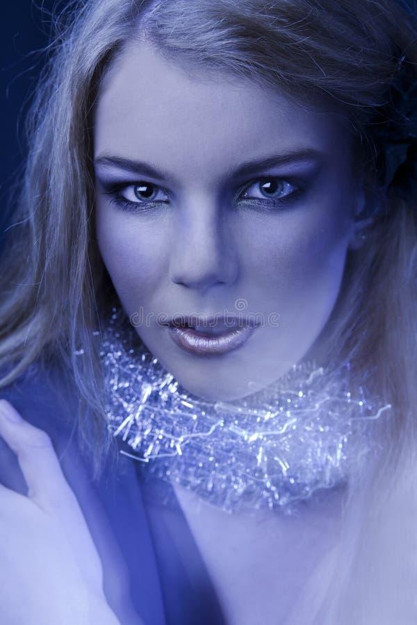 Portrait des jungen Mädchens mit hellem make-up.fashion lizenzfreies stockfoto