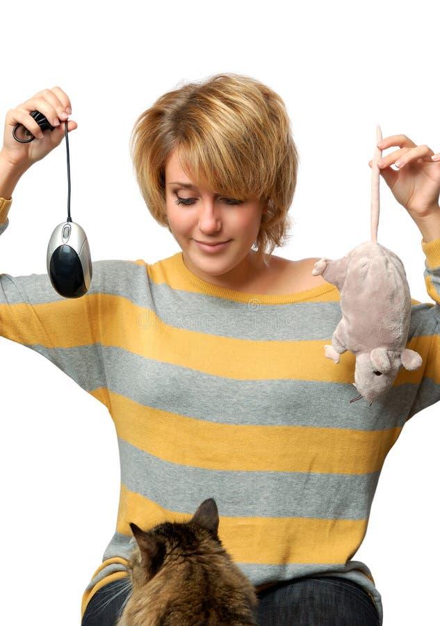 Portrait des jungen Mädchens mit Maus stockfoto
