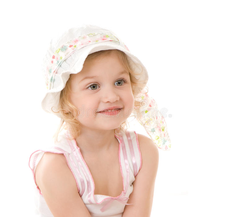 Portrait des kleinen Mädchens im Hut auf weißem Hintergrund stockfoto