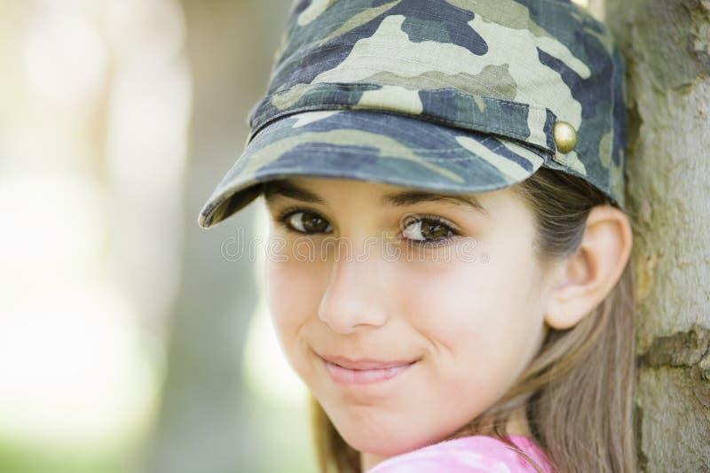 Portrait des lächelnden Tween-Mädchens stockbild