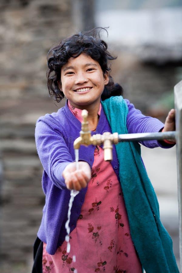 Portrait des nepalesischen jungen Mädchens stockfotografie