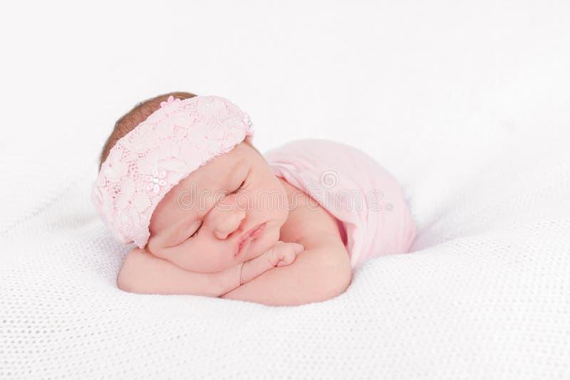 Portrait des netten neugeborenen Schätzchens stockbilder
