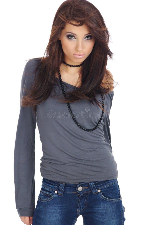 Portrait des reizvollen Mädchens mit dem langen Haar lizenzfreies stockbild