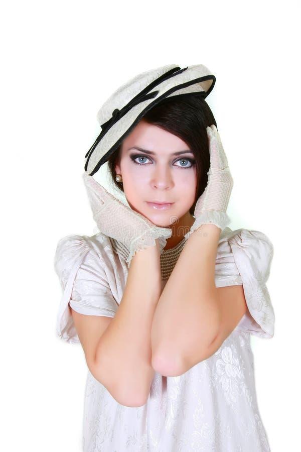 Portrait des Retro--angeredeten Mädchens lizenzfreie stockbilder