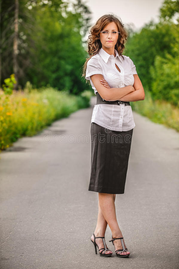 Portrait des schönen Brunette stockbild