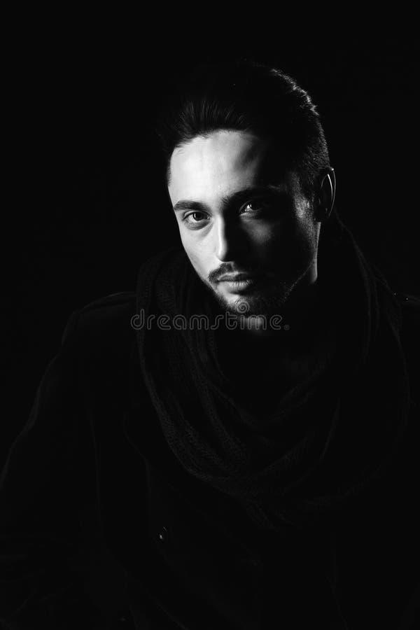 Portrait des schönen Mannes stockfoto