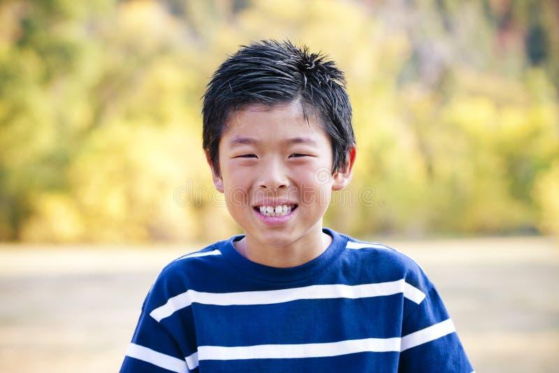 Portrait des stattlichen jungen Tweens lizenzfreies stockfoto