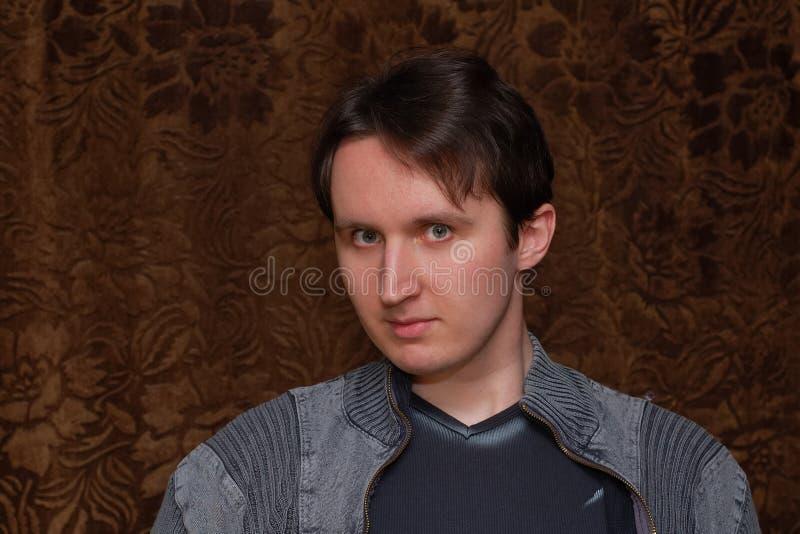 Portrait des stattlichen Mannes stockfotografie