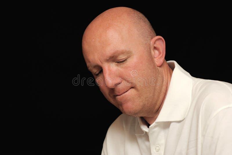 Portrait des traurigen kahlen Mannes stockfotografie