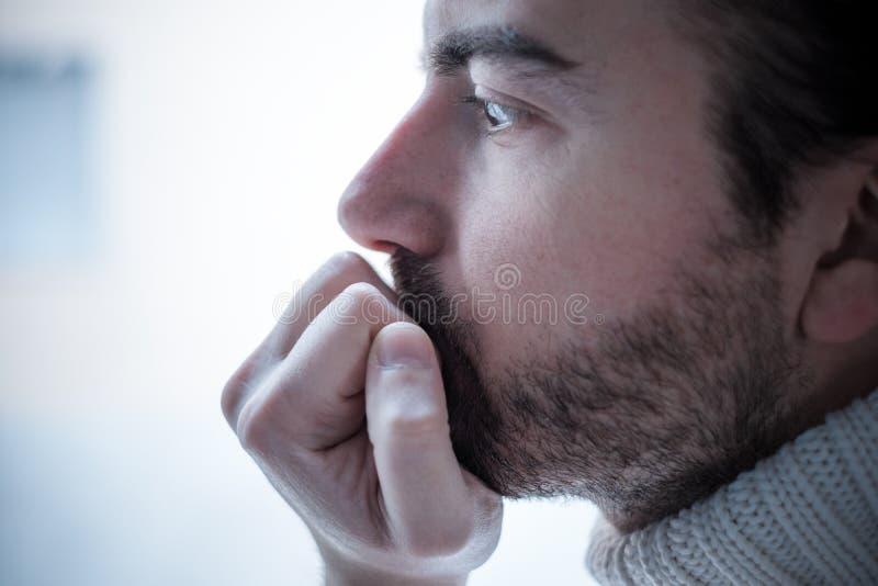 Portrait des traurigen Mannes lizenzfreie stockbilder