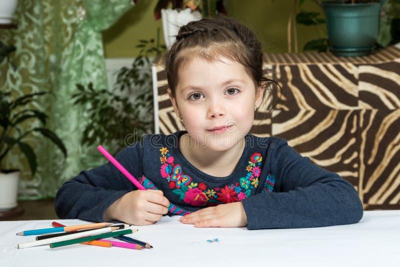 Portrait du beau dessin de fille photo stock