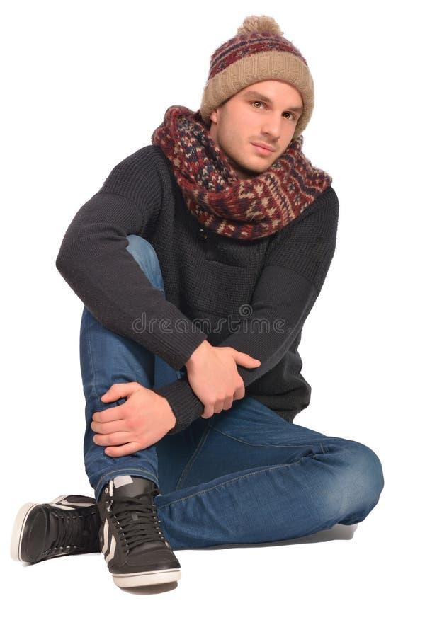 Portrait du jeune bel homme d'isolement sur un fond blanc photo stock