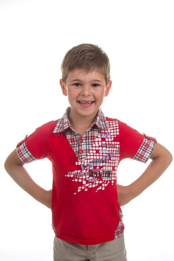 Portrait du petit garçon drôle d'isolement sur le fond blanc Beau modèle caucasien photos stock