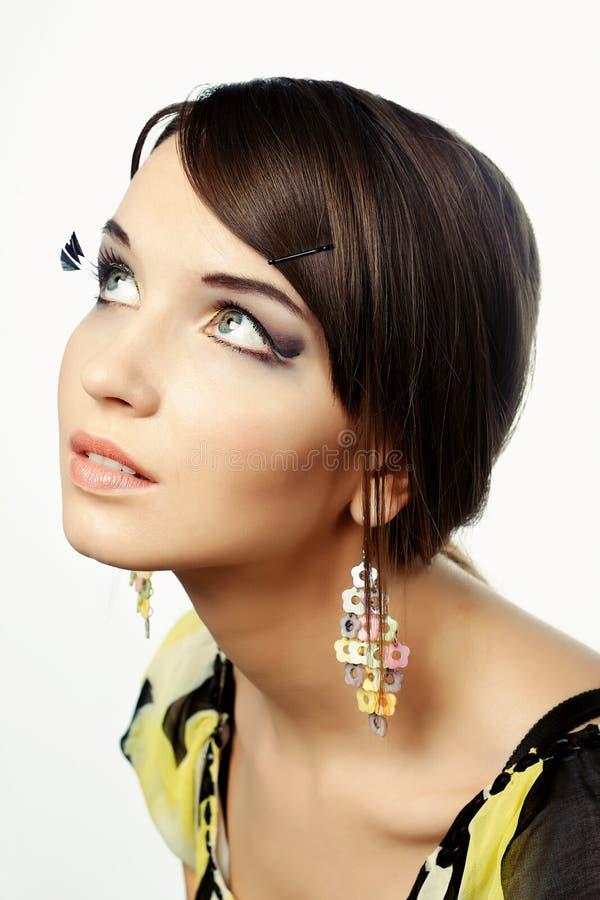 Portrait eine schöne junge Frau lizenzfreie stockbilder