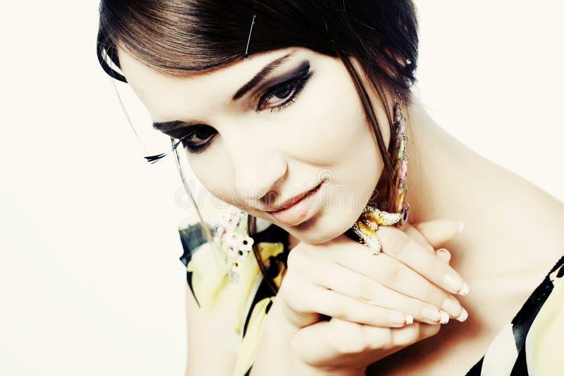 Portrait eine schöne junge Frau stockbilder