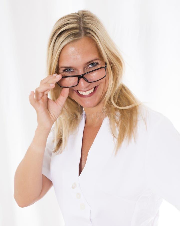 Portrait einer blonden Frau lizenzfreies stockfoto