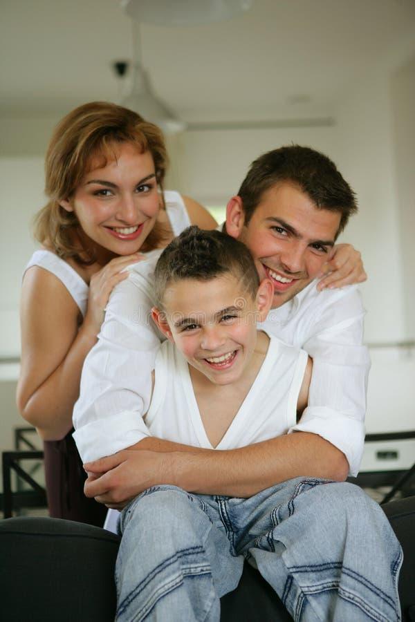 Download Portrait Einer Kleinen Familie Stockfoto - Bild von mann, auslegung: 9085544