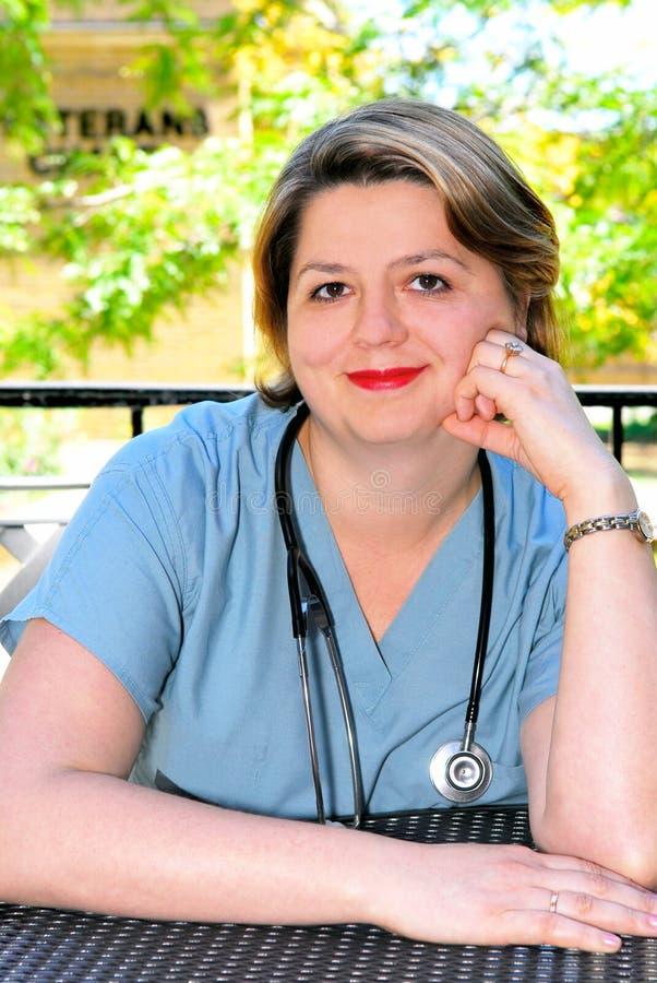 Portrait einer Krankenschwester lizenzfreie stockfotos