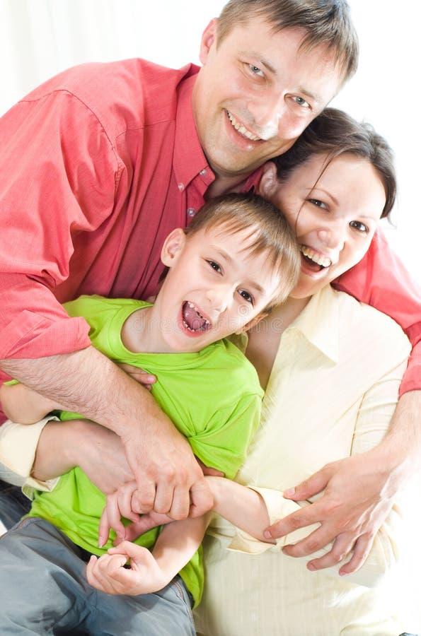 Portrait einer schönen Familie lizenzfreie stockfotografie