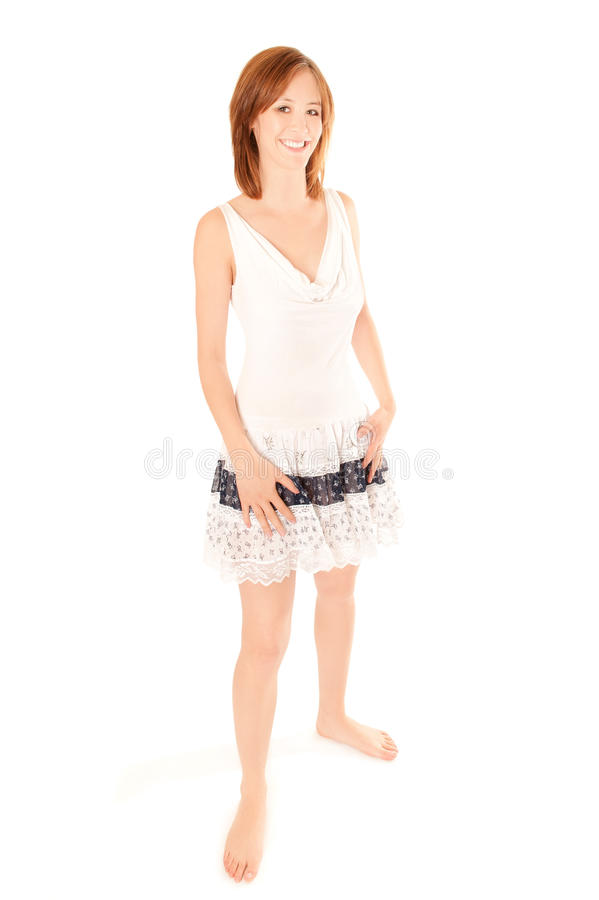 Portrait einer schönen Frau im Sommerkleid stockfotos