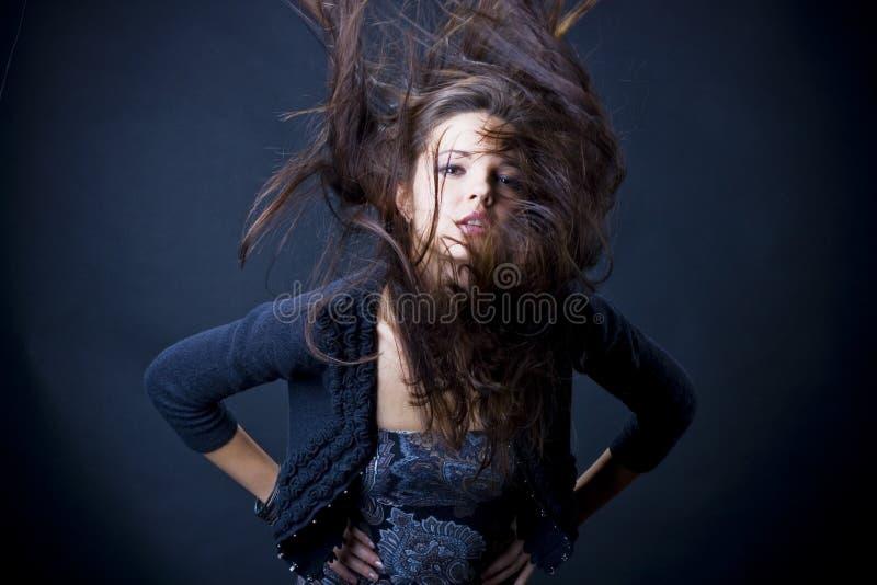 Portrait einer schönen jungen Frau lizenzfreie stockbilder