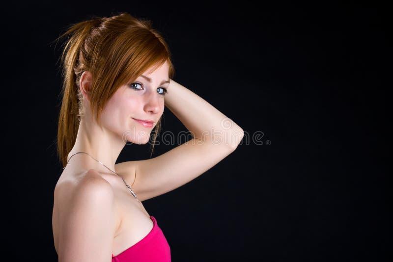 Portrait einer schönen Redheadfrau lizenzfreies stockfoto