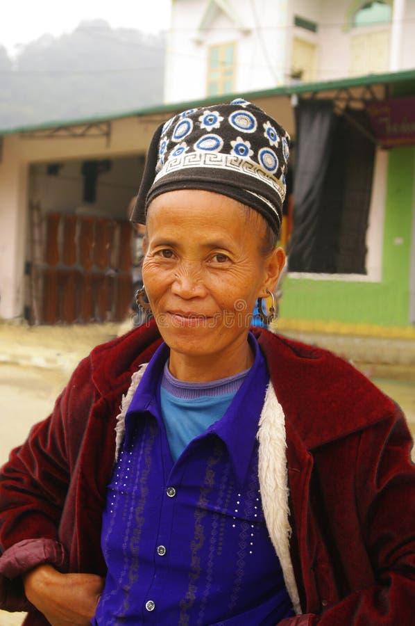 Portrait einer schwarzen Hmong Frau stockfotos