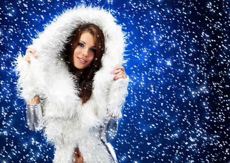 Portrait einer Winterfrau, lizenzfreie stockbilder