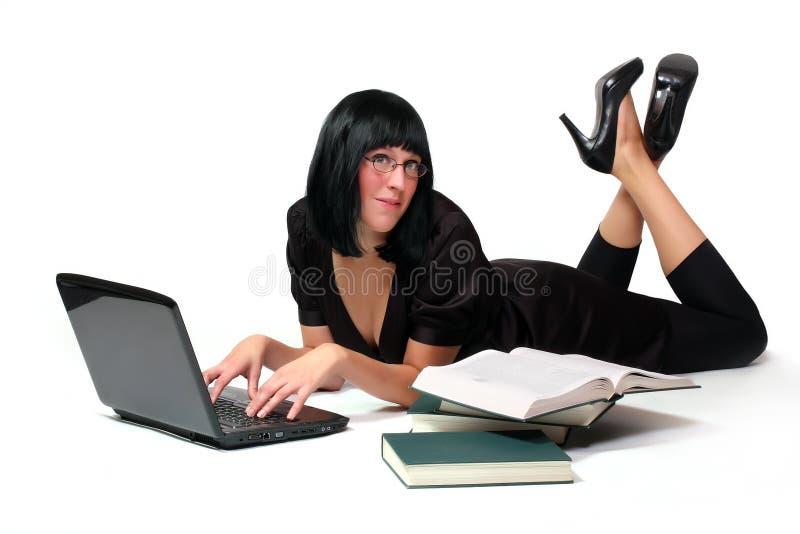 Portrait eines attraktiven Geschäftsmädchens stockfotografie