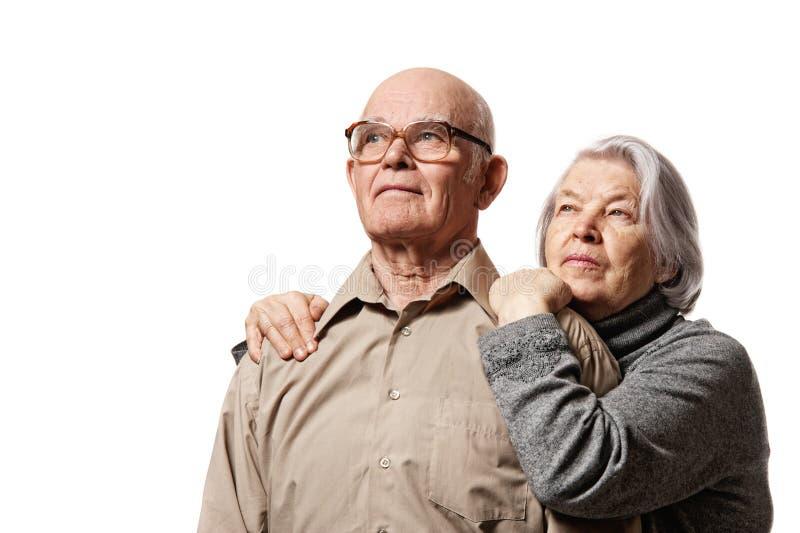 Portrait eines glücklichen älteren Paares lizenzfreie stockfotografie