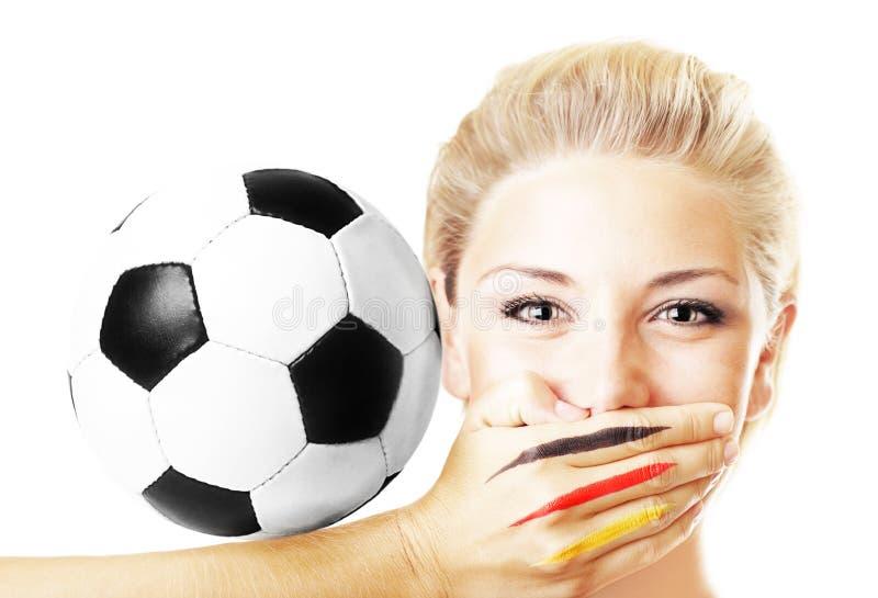 Portrait eines hübschen Fußballfangestikulierens lizenzfreies stockbild