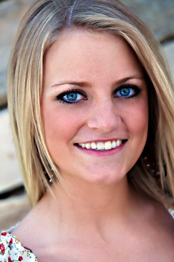 Portrait eines hübschen Mädchens stockfoto