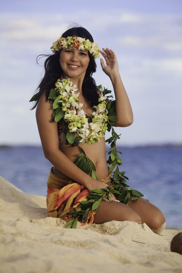 Portrait eines hawaiischen hula Tänzers lizenzfreie stockfotografie
