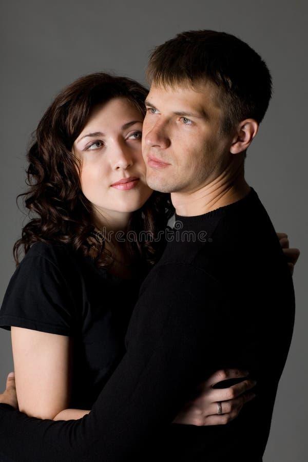 Portrait eines jungen Paares lizenzfreies stockbild