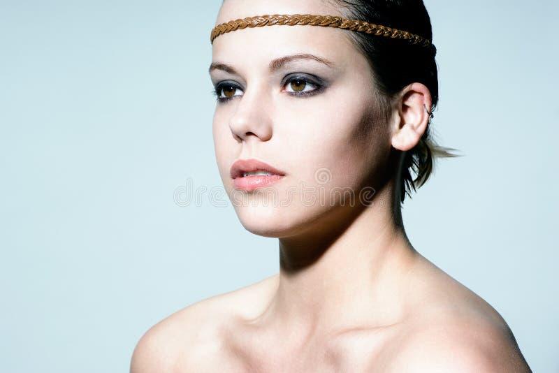 Portrait eines jungen schönen Mädchens stockfotos