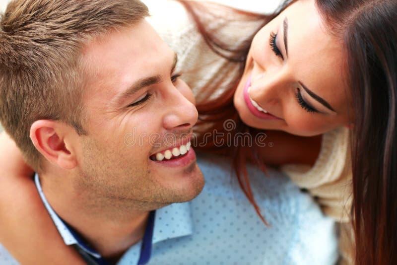 Portrait eines lächelnden Paares stockfoto