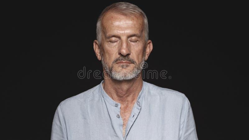 Portrait eines ?lteren Mannes lizenzfreies stockfoto