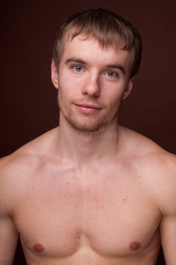 Portrait eines männlichen Baumusters lizenzfreies stockfoto
