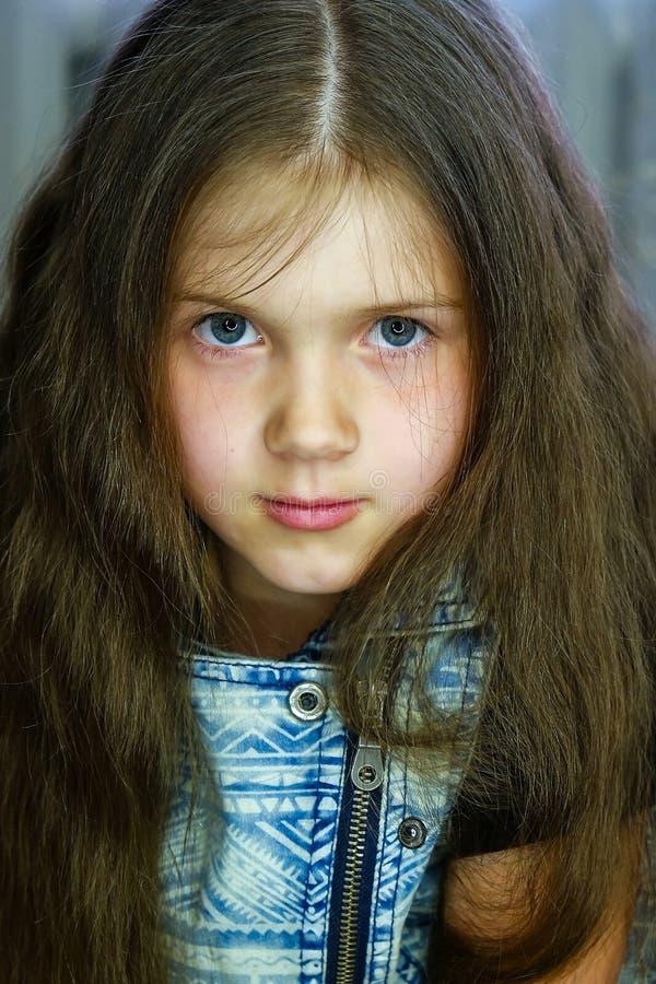 Portrait eines netten Mädchens stockfoto